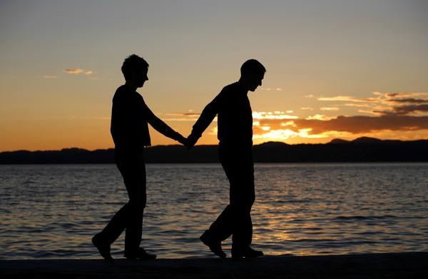 How do people with asperger's cope with a romantic relationship?  Do they get romantic at all?