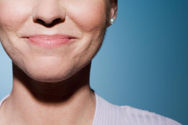 Can a lump on the roof of your mouth that changes from hard to soft be caused by sinus issues?