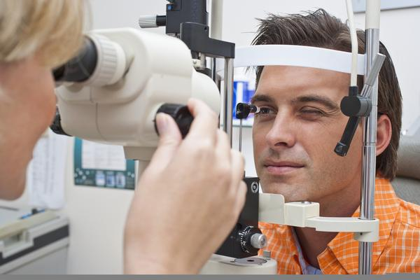 When should I see an ophthalmologist or an optometrist?