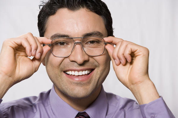 Can reading glasses correct nearsightedness?