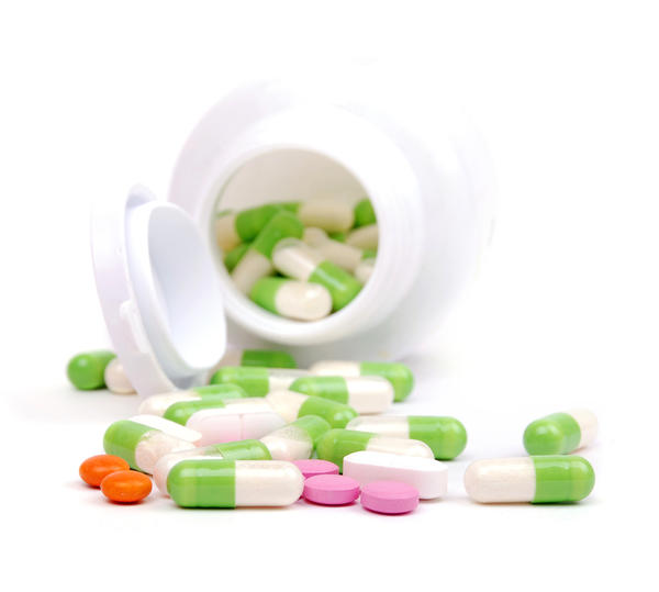 When after beginning antibiotics do side effects occur?