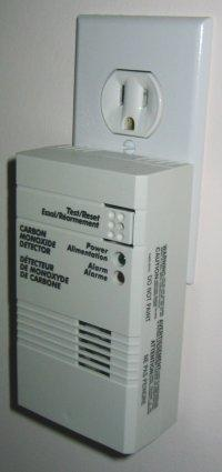 What are symptoms of mild carbon monoxide poisoning?
