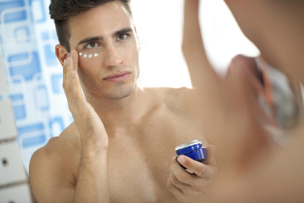 Sir is fairlite creams remove pimple's dark spot also ?