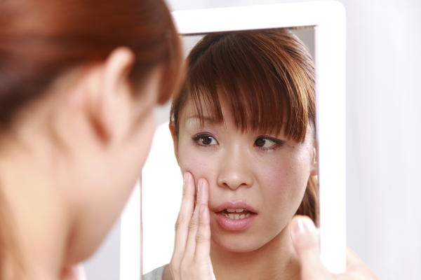 Bleaching with hydrogen peroxide can remove dark spots on face in 2 weeks? Which can remove dark spots from acne faster?