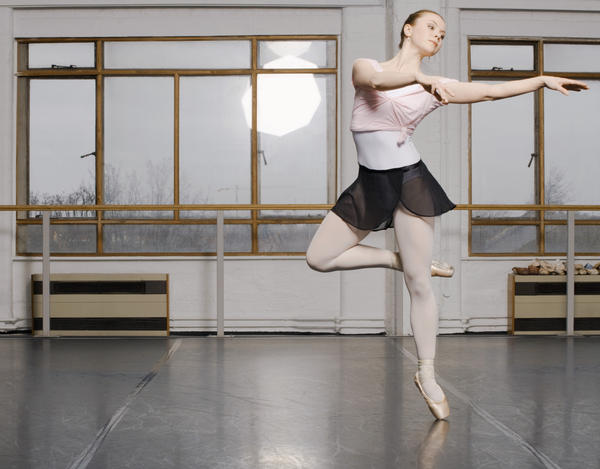 What are ways to stay a healthy weight while doing ballet?