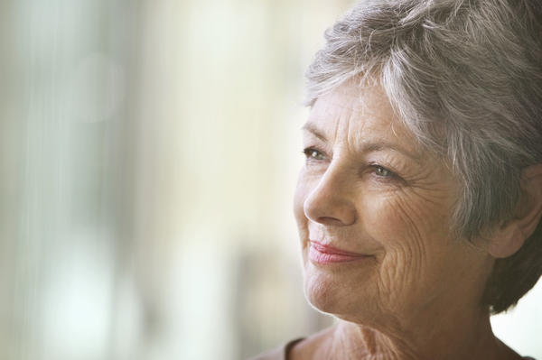 In asia what age do women start menopause ?