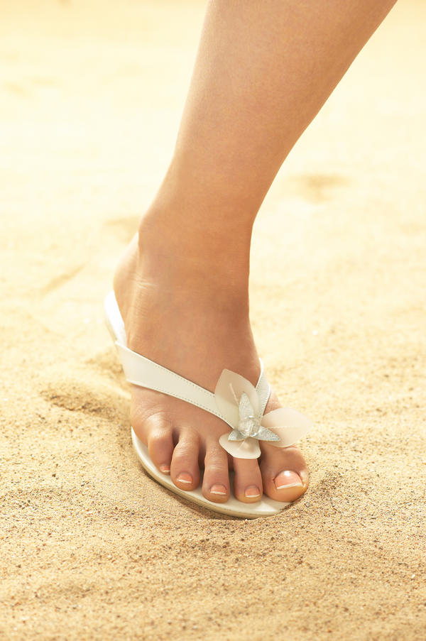 How long does it take to heal from a pinched nerve in your foot?