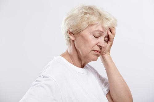 What causes the dizziness when I have symptoms of a viral infection ?
