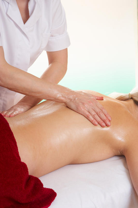 How are prenatal massage therapists licensed?