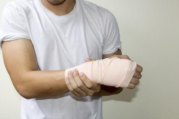 What medicine help with a swollen arm muscle?