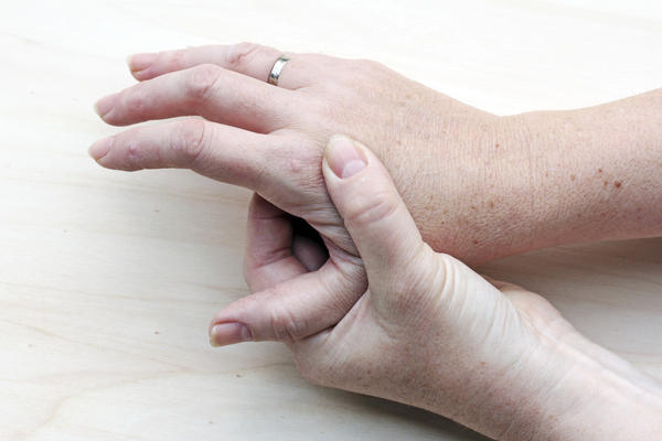 What is the difference between polyarthritis vs arthritis?