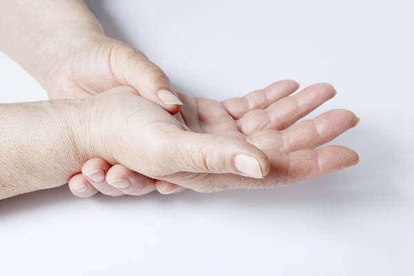 What can cause carpel tunnel syndrome?
