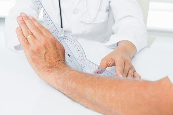 What kinds of treatments are used to ease joint pain related to arthritis?