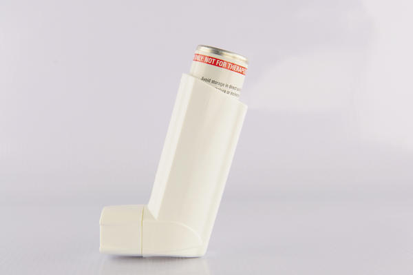 Which to give first for asthma--bronchodilator or corticosteroids?