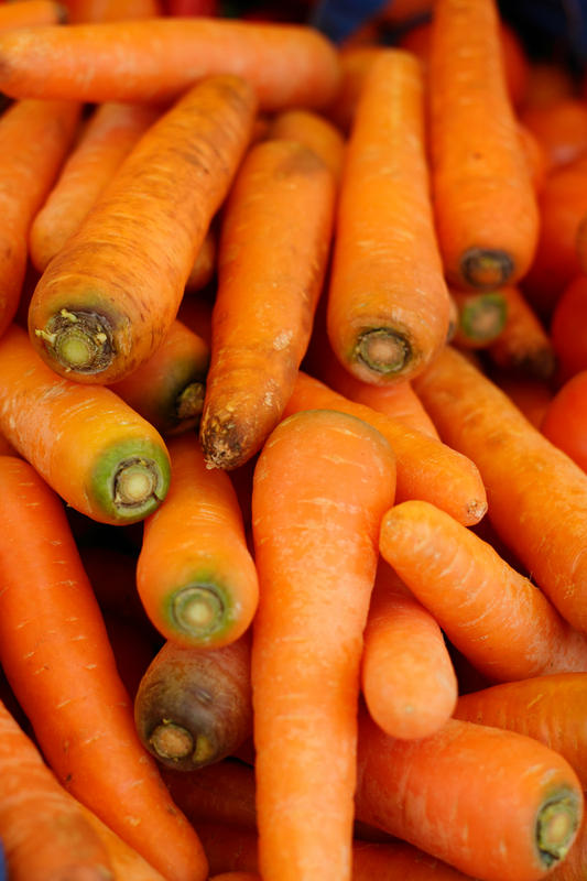 Can you eat carrots to improove your vision if you have poor vision?