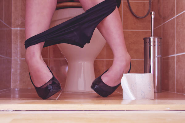 Can intestinal blockage cause you to not be able to pee?