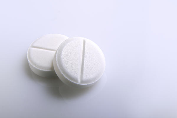 Is it true that the pain killers asprin, paracetamol and ibuprofen act differently and can be taken concurrently?