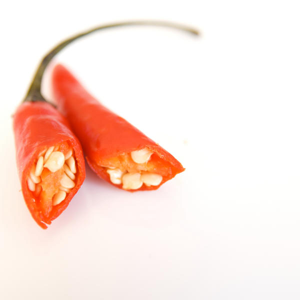 How can I build up tolerance to capsaicin?