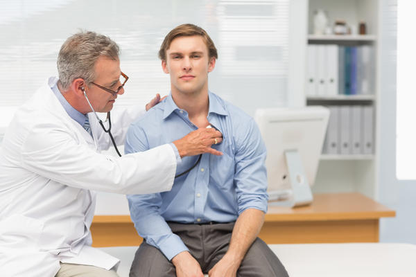Can very low B-12 level cause severe chest pain?