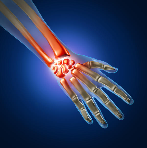 Can carpal tunnel effect the wrist ?
