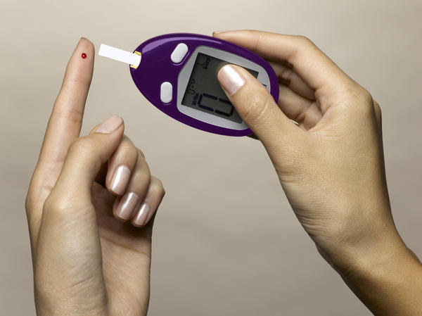 What are some of the signs, symptoms of diabetes?