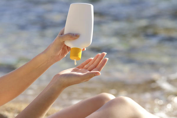 Which is better: sunscreen or sunblock?
