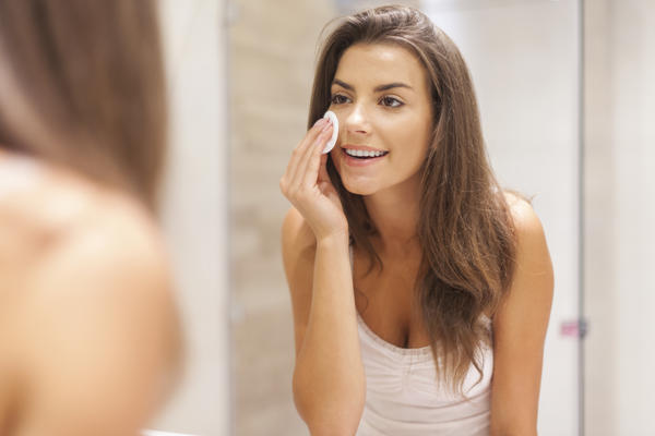 Can your urine clear bumps on your face?