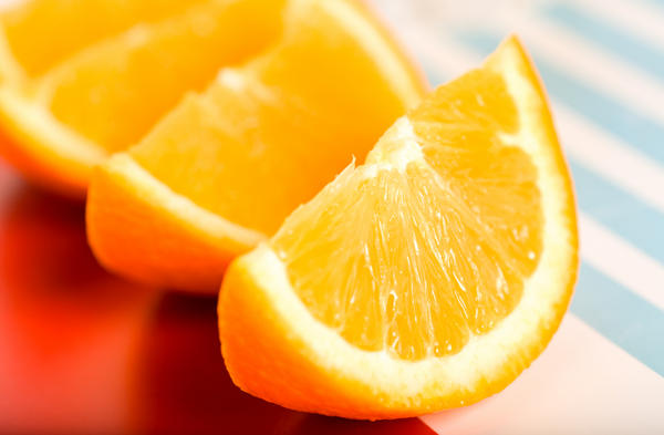 Can large amounts of vitamin C induce abortion or periods?