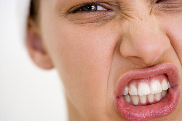 Sour food hurts my gums?