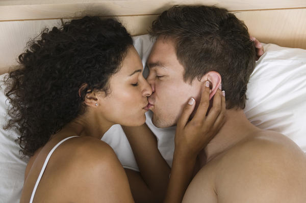 Can herpes spread from touching genitals then yourself?