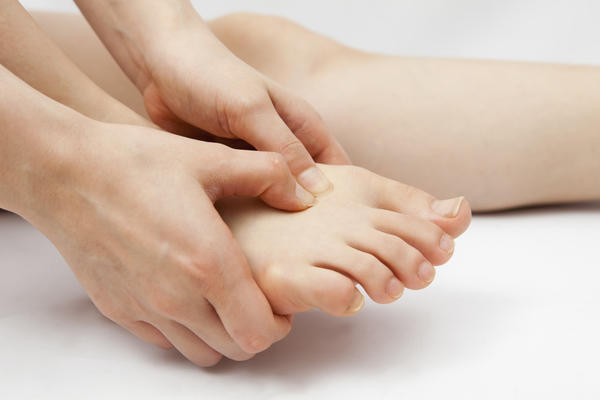 What is the best remedy for foot pain?