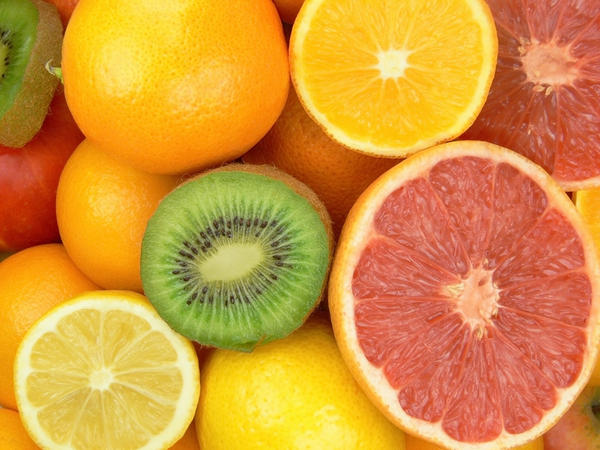 Should vitamin C be taken with an iron supplement?
