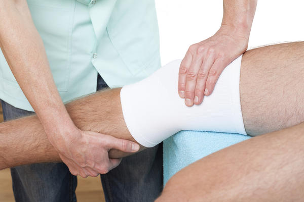 Which is a better option: knee replacement or prolotherapy?