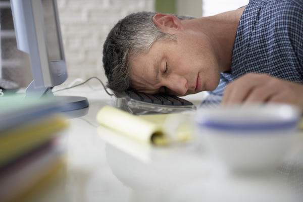 Which gastrointestinal conditions cause chronic, persistent fatigue? Can tests assist a diagnosis — and, if positive, what treatments are effective?