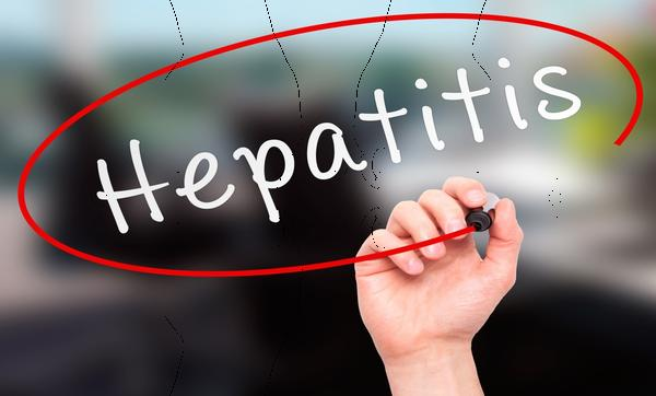 What are the symptoms of hepatitis?