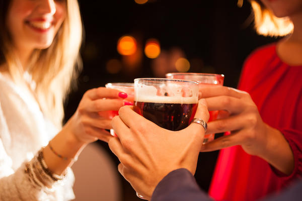 How does alcohol consumption affect an inr?