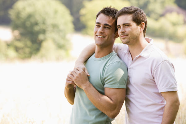 Are there any signs or symptoms of male infertility?