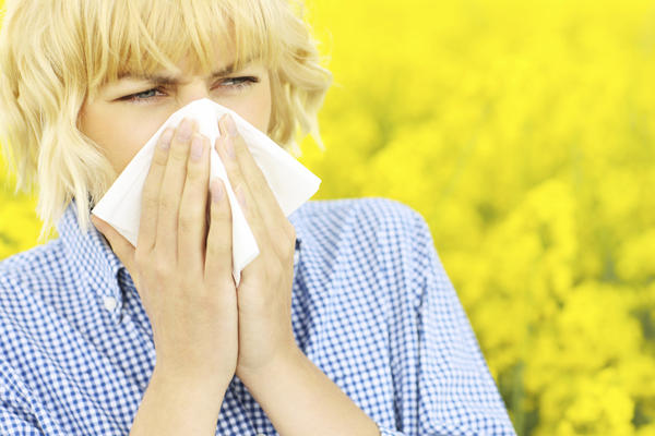 How can you tell if you have allergies, cold or TMJ? Clear runny nose, pain above eye, mild headache, jaw clicking. How to relieve symptoms?