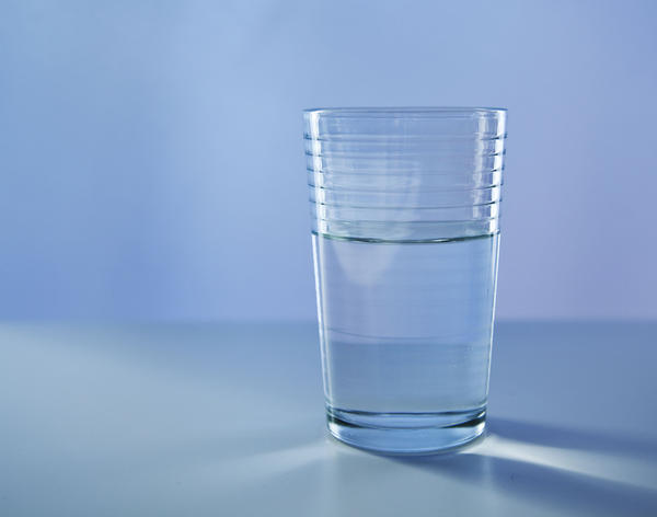 Can it really make sense to drink more water if you have water retention?