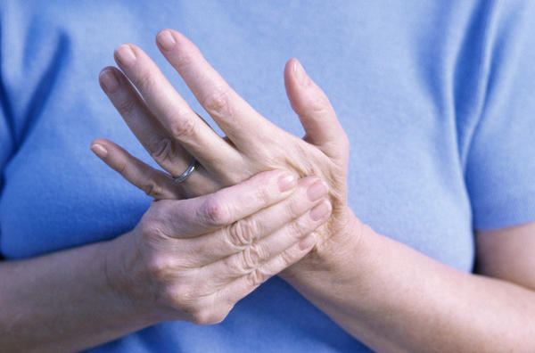 Why would you seek to find which of the two types of pain a patient feel (when it comes to numbness; paresthesia or dysesthesia? Would diagnosis diffe