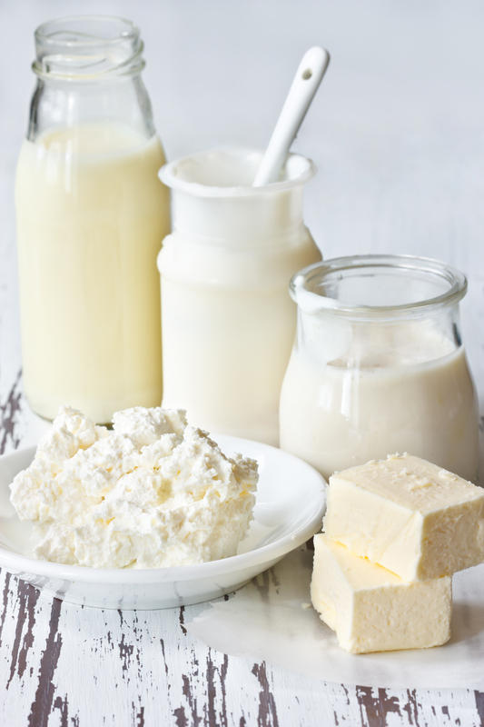 Is nonfat cottage cheese a good source of protein if you don't like or eat meat?