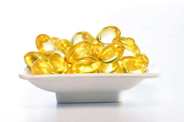 Compare vitamin E d-alpha tocopheryl acetate vs d-alpha tocopherol?
