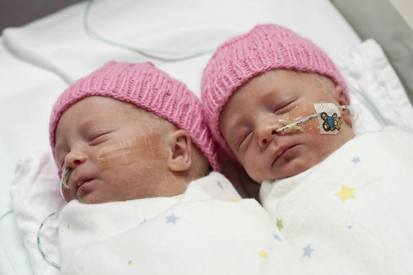 What are the tests for twin-twin transfusion syndrome?