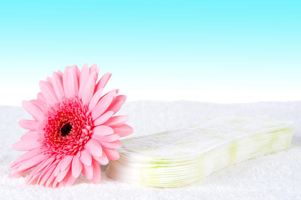 I just got over vb about 5 days ago my discharge is thick white but smells normal. Can the sperm get through it? My period ended 10 days ago.