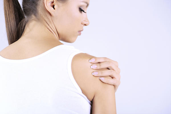 Tingling in muscles? Please help, it's driving me crazy. What could cause a tingling feeling in the muscles of my shoulder? My shoulder has been stiff and sore for a little over a week, to the point where i can barely use it and have to use a heating pad