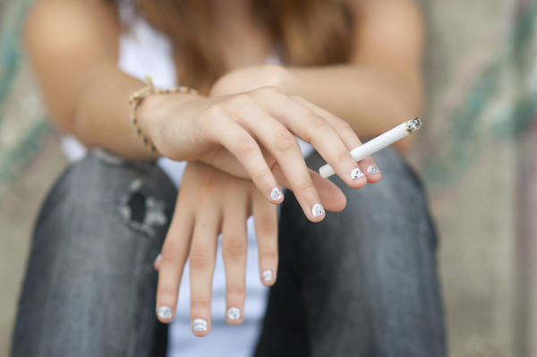 Will smoking affect mothers milk?