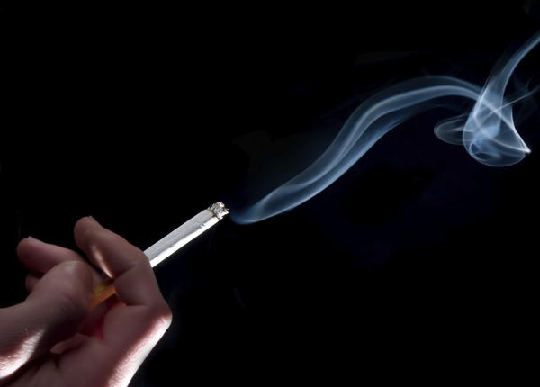 Can smoking cause hyperinflated lungs?