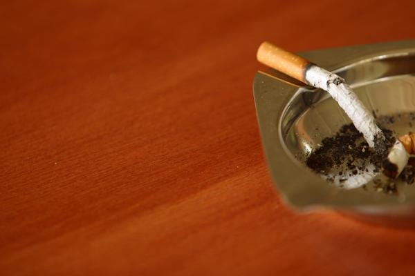 Does smoking clove cigarettes cause health problems in children as much as other types of cigarettes