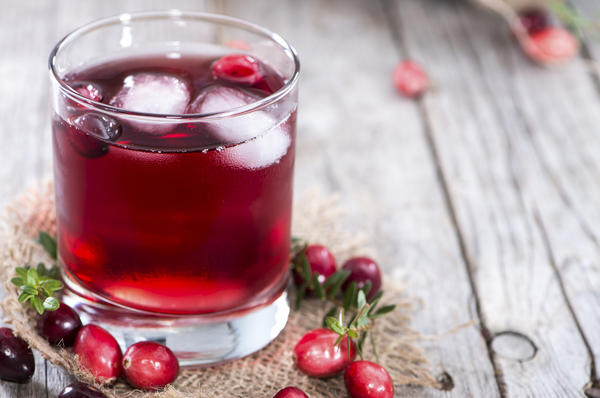 Can pure cranberry juice have side effects?