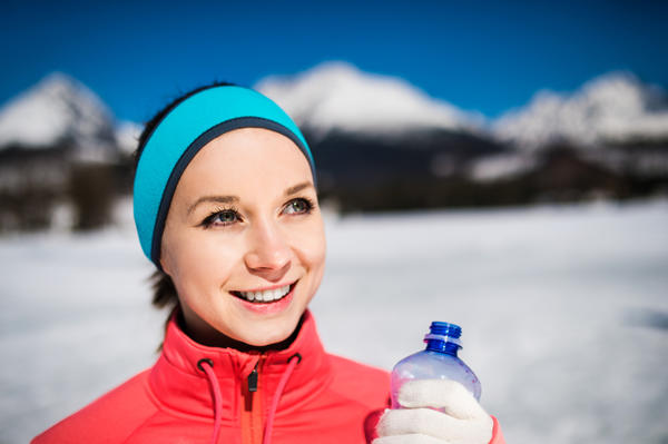 Does hot water hydrate you less/more than cold water?